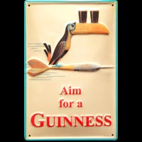 BIERE GUINNESS AIM FOR A GUINNESS DART TOUCAN BAR PUB FLECHETTE Plaque publicitaire relief métal 20x30 cm